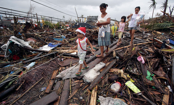 2013 Central Philippines devastated by typhoon Haiya   Framework   Photos and Video   Visual Storytelling from the Los Angeles Times